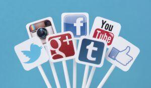 Wat is het voordeel van social advertising t.o.v. Google Adwords?